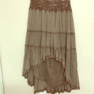 Solitaire Boho skirt taupe high/low sz M